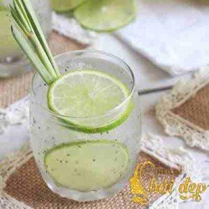 Đồ uống làm đẹp từ chanh và hạt chia