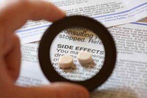Việc sử dụng Tretinoin cần theo dõi của bác sĩ