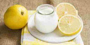 Mặt nạ trị mụn bằng sữa chua không đường và chanh