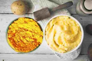 Mặt nạ khoai tây tinh bột nghệ