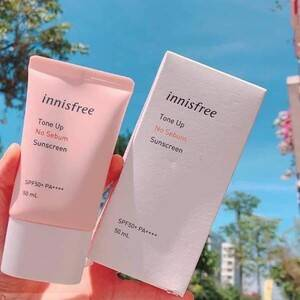 Reiview Kem chống nắng Innisfree Tone Up No Sebum Sunscreen SPF50+ PA++++