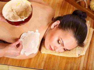Tắm trắng cấp tốc bằng dầu dừa cám gạo